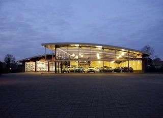 Autobedrijf F. van den Elzen